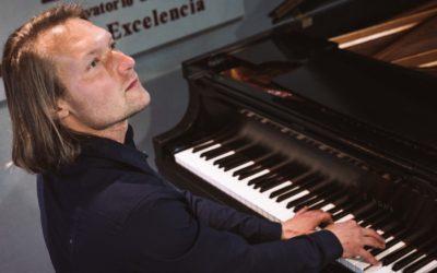 8 Beneficios de tocar el piano en el Conservatorio de Música Franz Liszt